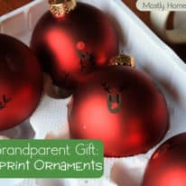 Easy Grandparent Gift: Fingerprint Ornaments