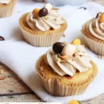 Pecan Pie Stuffed Cupcakes